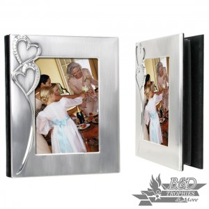 """""""Hearts"""" Photo (5x7) Album Cover holds 60 4x6 and 10 6x8 photos)"""