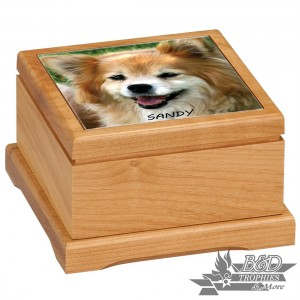 Red Alder Pet Urn with Tile