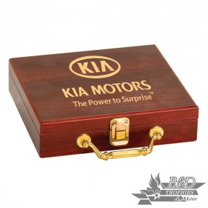 Rosewood Finish Poker Set (includes 100 commercial grade chips, 2 decks of cards & 5 Dice)